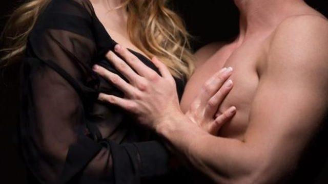 乳首を刺激